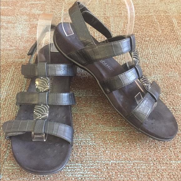 4bbab18fb225 Black Croc Vionic Amber Backstrap Comfort Sandals.  M 5b0e28fbd39ca285064c7428
